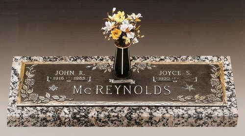 Selecting Cemetery Monuments for Your Loved One